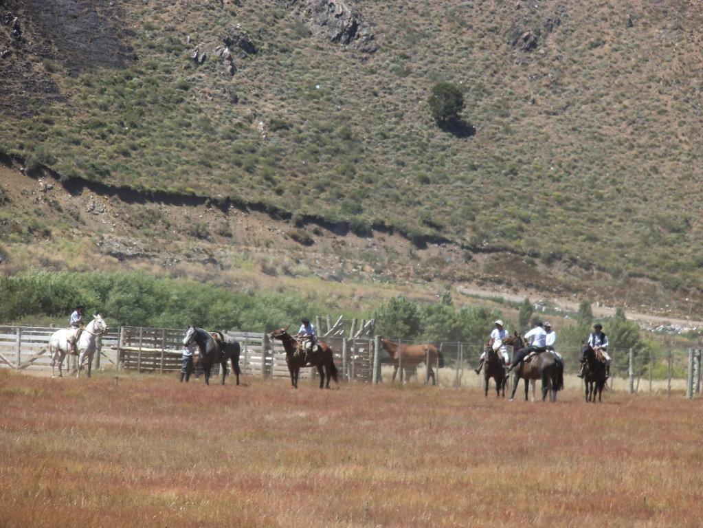 neuquen-argentina-patagonia-indigeni